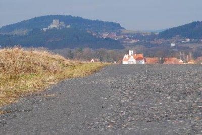 Žichovice - pohled ze silnice od Bilenic